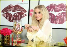 ashlee simpson elizabeth arden beautiful color lip lounge 14 Ashlee Simpson looks radiant while showing off some new lipstick colors at the Elizabeth Arden Beautiful Color Lip Lounge on Friday (July 12) in Hollywood.
