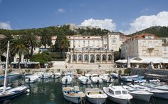 Explore Croatia with Rough Guides: find out the best places to visit, when to go, view itineraries and read about Dubrovnik, seafood and island-hopping.