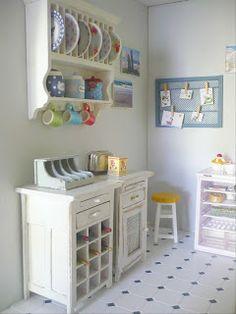 Genevieve's miniacollection: maison bord de mer (cuisine) - seaside dollhouse (kitchen)