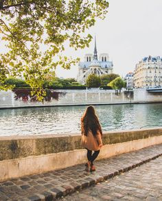 Walking along the Seine...