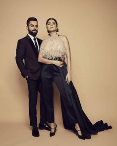 Anushka Sharma And Virat Kohli Make A Perfect Couple As They Attend Indian Sports Honors - HungryBoo Bollywood Couples, Bollywood Cinema, Bollywood Stars, Bollywood Actress, Bollywood Celebrities, Anushka Sharma Virat Kohli, Virat And Anushka, Hot Couples, Celebrity Couples