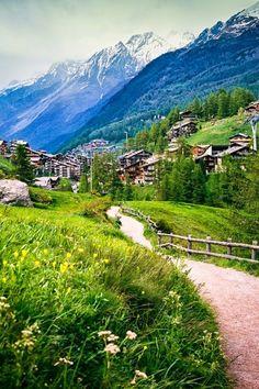 Церматт, Швейцария  #мирпрекрасен #мир_необычного #amazing #пейзаж #beautiful #beautifulpictures #шедевры_вселенной #красивый_пейзаж #природа #красота #мирпрекрасен #beauty #beautiful #naturek #landscape