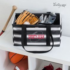 Batter up! Their sports gear fits nice and neat in the Medium Utility Tote with the Medium Stand Tall Insert. Thirty One Uses, My Thirty One, Thirty One Gifts, Thirty One Utility Tote, Large Utility Tote, One Summer, Summer 2016, Spring Summer, Sports Organization