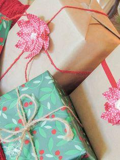 Poinsettia Gift Embe