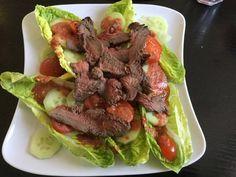 Vom Grill: Rindfleisch-Salat nach Thai-Art Heute möchte Ich Euch ein ganz anderes Gericht vorstellen. Es handelt sich um den Rindfleisch-Salat nach Thai-Art. Die Zubereitung des Fleisches erfolgt auf einem Grill. Das grillen ist bei uns traditionell Männersache, deshalb hat sich mein Mann um das ...