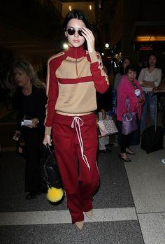 セレブの着こなし。春夏ファッションのジャージ コーデの参考一覧♡