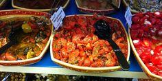 Zelfgemaakte halfgedroogde tomaatjes