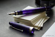 Perfect in purple. The Omas Ogiva Alba Fountain Pen.