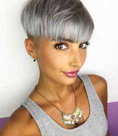 Stylish silver bowl cut via Jenny Schmidt Short Hair Cuts, Short Hair Styles, Natural Hair Styles, Pixie Hairstyles, Cool Hairstyles, Pixie Haircuts, Bowl Haircuts, Corte Y Color, Blonde Pixie