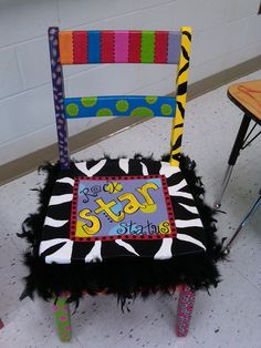 Coolest Star Student Chair Ever! Or Authors chair/Sharing Classroom Behavior, Classroom Setup, Classroom Design, School Classroom, Classroom Organization, Classroom Management, Future Classroom, Carnival Classroom, Space Classroom