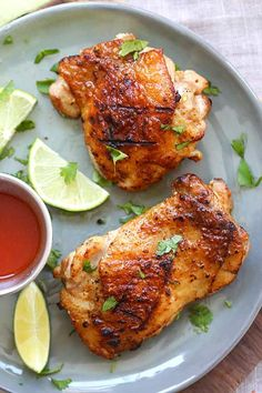 Tequila Lime Chicken - amazing chicken marinated with tequila, lime and garlic. This tequila lime chicken recipe tastes better than… Tequila Lime Chicken Recipe, Lime Chicken Recipes, Meat Recipes, Asian Recipes, Dinner Recipes, Cooking Recipes, Cookbook Recipes, Easy Delicious Recipes, Heart Healthy Recipes