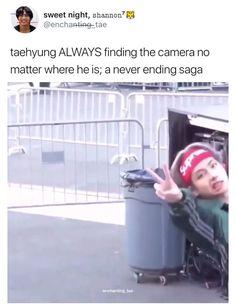 He finds the camera, bish that camera findin him Bts Memes Hilarious, Bts Funny Videos, V Taehyung, Yoonmin, V Bts Cute, Les Bts, V Bts Wallpaper, Bts Tweet, Bts Dancing