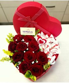 Bouquet Box, Red Rose Bouquet, Pen Collection, Copenhagen, Red Roses, Bouquets, Valentines Day, Boxes, Bunch Of Red Roses