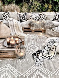 Style At Home, Outdoor Rugs, Outdoor Living, Outdoor Decor, Outdoor Ideas, Patio Decorating Ideas On A Budget, Patio Ideas, Diy Patio, Budget Patio