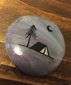 Camping rock crafty rock painting designs, stone painting и Rock Painting Patterns, Rock Painting Ideas Easy, Rock Painting Designs, Paint Designs, Pebble Painting, Pebble Art, Stone Painting, Painted Rocks Craft, Hand Painted Rocks