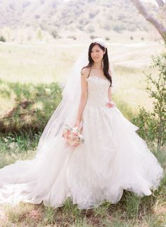 Seriously in love with this bride and her Vera Wang stunner! Photography by austinwarnock.com