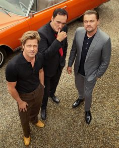 Hollywood Discover Three Kings: Quentin Brad and Leo Take You Inside Once Upon a Time.In Hollywood Director Quentin Tarantino and his headlining stars Brad Pitt and Leonardo DiCaprio get together for their first conversation since wrapping the movie. Quentin Tarantino, Tarantino Films, Burt Reynolds, Luke Perry, Pulp Fiction, Fritz Lang, Charles Manson, Kino Film, Harvey Weinstein
