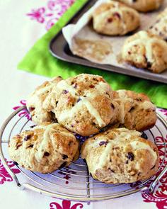 RESEP: Hot cross buns   via Kuier #AllesOpEenPlek