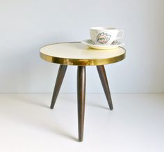 Mid Century Modern Tripod Coffee Table - Lemon Yellow - Side / End Table, Night stand - Mad Men, 1960s Home Decor