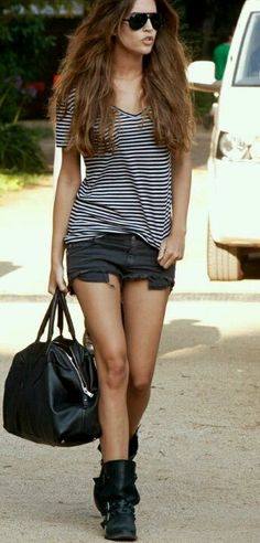 Casual yet chic Street Style