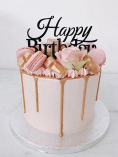 ideas girly birthday cake for 2019 Happy Birthday Cakes For Women, Modern Birthday Cakes, 22nd Birthday Cakes, Birthday Drip Cake, Funny Birthday Cakes, 40th Cake, Homemade Birthday Cakes, Birthday Cake Decorating, Birthday Cake For Women Simple
