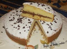 Come sofficissima alternativa al pan di spagna provate questa deliziosa torta al latte caldo, ricettina americana che non vi deluderà!