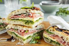 Pesto Sandwich, Mozzarella, Sandwiches, Yummy Yummy, Breakfast, Morning Coffee, Paninis, Morning Breakfast