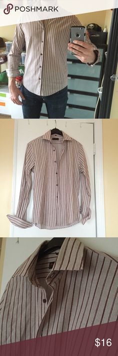 ⭐️Host Pick⭐️ Ben Sherman Long Sleeve Button Down 95% Cotton, 5% Rayon Slim fit in size Medium. Vertical lines are sewn in, not printed on the fabric, so it gives the shirt great texture. Very lightly used....in great condition with no holes, rips, or stains. ⭐️Chosen as a Men's Style Party Host Pick by @jeannette716⭐️ Ben Sherman Shirts Casual Button Down Shirts