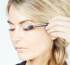 Tricks for Applying Mascara and Using Eyelash Curler - How to Make Your Eyelashes Look Amazing - Good Housekeeping