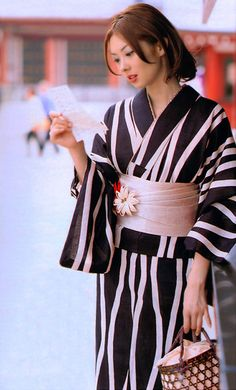 Pink and Navy color kimono@Itou Misaki 伊東美咲 (as Anzai Tomoko 安斉智子)