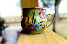 MacKenzie-Childs Flower Market mugs - pretty pretty pretty! 30 Gifts, Ree Drummond, Homemade Christmas Gifts, Flower Market, Pioneer Woman, Drinking Tea, Teapots, Coffee Cup, Kitchenware