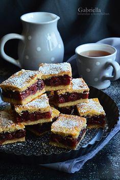 Foszlós csíkos kifli mogyorókrémmel töltve Hungarian Desserts, Hungarian Recipes, Hungarian Food, Chocolate Cookies, Dessert Bars, Cake Cookies, Cookie Recipes, French Toast, Sandwiches