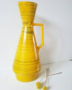 Bekijk dit items in mijn Etsy shop https://www.etsy.com/nl/listing/519625735/bright-yellow-scheurich-vase-272