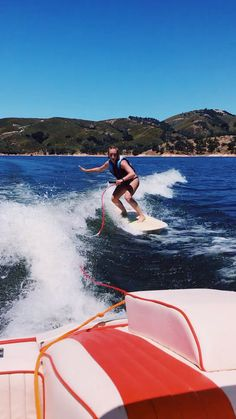 """Get excellent pointers on """"tow boat for water skiing"""". They are actually accessible for you on our website. Lake Pictures, Surfing Pictures, Water Sports Activities, Outdoor Activities, Wakeboard Boats, X Games, Lake Water, Burton Snowboards, Skateboard Art"""