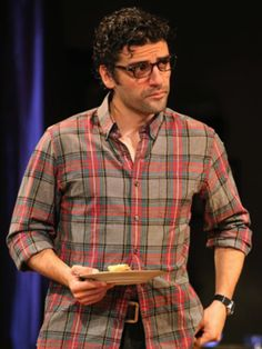 """Il materiale di origine: Joan Marcus / Oscar Isaac performing as Daniel Fisher in Manhattan Theatre Club's production of Zoe Kazan's """"We Live Here"""" at New York City Center Stage 1 in New York City,. Oscar Isaac, Youtubers, John Boyega, Pretty Men, Gorgeous Men, Handsome Actors, Star Wars, Pilot, Male Beauty"""