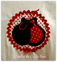 "Camiseta flamenca ""Castañuelas"" detalle #camisetasflamencas #camisetaspersonalizadas #camisetasdecoradas"