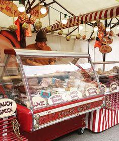 Ochota na swojski wyrób? Speck Wurst Käse? Gebäck? Co czwartek same smakołyki.  #stephansdom #katedra #österreich #austria #wienna #Vienna #Vyana  #Bec #viden #Wien #Vieno #Vienne #viena #Wenen #Viena #Vindobona #vieden  #Dunaj #viyana #wiedeń #Speck #wurst #Käse #gebäck
