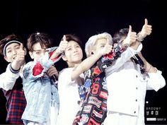 OnHo Lovers ❤ Shinee Minho, Jonghyun, Shinee Members, I Am Sad, Pop Bands, Tvxq, Asian Men, Bigbang, Kpop