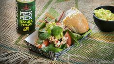 Testaa Poppamiehen Cheviche & Guacamole patongin välissä. Niin Poppamieskin sen nauttii! #poppamies #savustus #grillaus #maustaminen #ruoka #ruuanlaitto #mauste #guacamole #cheviche #salsaverde Salsa Verde, Guacamole, Cantaloupe, Fruit, Food, Meals