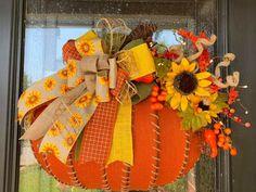 Dollar Tree Pumpkins, Dollar Tree Crafts, Diy Pumpkin, Diy Pallet Projects, Fall Diy, Pumpkin Decorating, Fall Pumpkins, Harvest, Fall Porches