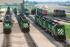 Galesburg-1991 (Moffat Road) Tags: ferrovia yard train illinois bn il locomotiva burlingtonnorthern galesburg locomotivefacility