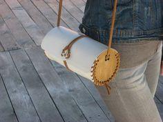 A mano in pelle moderno - borsa a forma di cilindro di legno / pronto per la spedizione