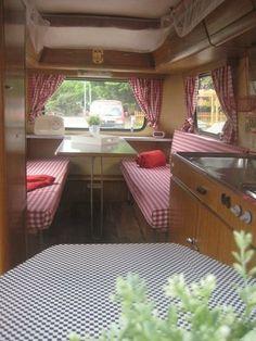 Hymer-Eriba Triton Wohnwagen Vintage Caravans, Vintage Trailers, Airstream, Glamping, Fendt Caravan, Caravan Hacks, Hymer, Retro Camping, Retro Caravan