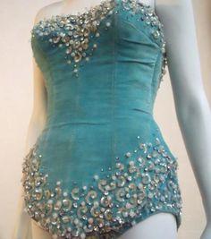 Vintage showgirl costume in turquoise velvet...