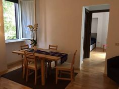 San Saba, Roma Roma Situated in the Aventino district in Rome, this air-conditioned apartment is 1.1 km from San Francesco a Ripa. San Saba, Roma boasts views of the garden and is 1.7 km from Coliseum.