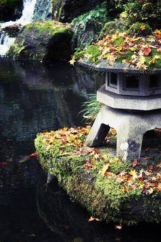 Japanese Gardens by K. Japanese Garden Lanterns, Japanese Lamps, Japanese Gardens, Garden Art, Garden Design, Home And Garden, Garden Ideas, Porches, Stone Lantern