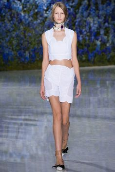 Christian Dior Spring/Summer 2016 Ready-To-Wear Paris Fashion Week Couture Mode, Style Couture, Couture Fashion, Runway Fashion, Fashion Week Paris, Spring Fashion, Christian Dior, Love Fashion, High Fashion