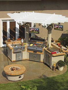Summer Necessity: Outdoor Kitchen