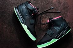 Nike Air Yeezy II Black/Solar Red