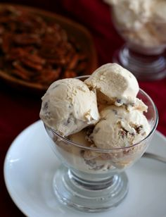 Dulce De Leche Ice Cream with Salted Pecans – Low Carb and Gluten-Free